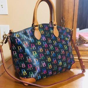 🎀Dooney & Bourke😍💯%AUTHENTIC satchel/shldr bag